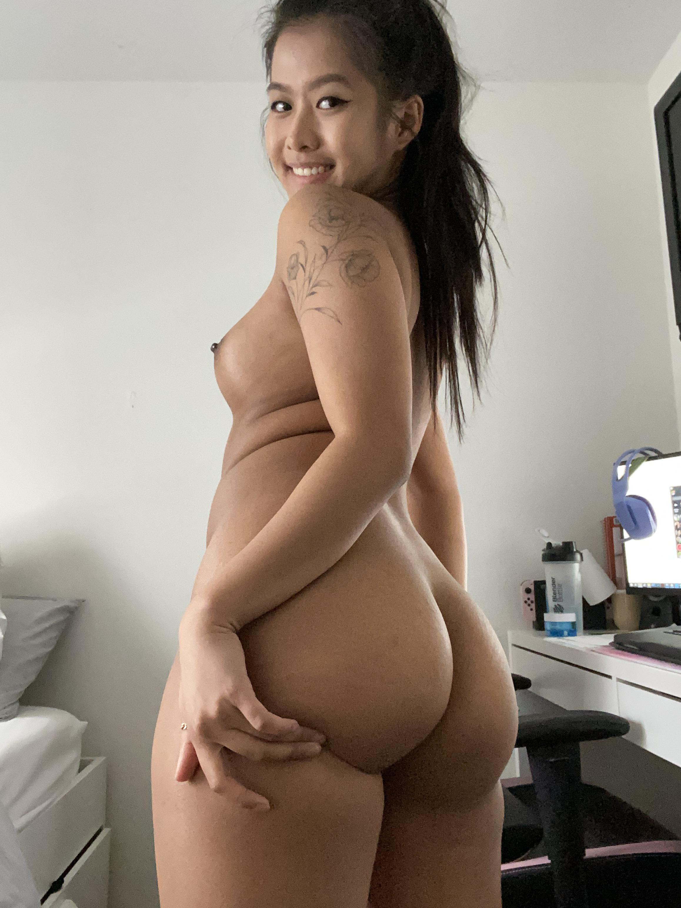 One of our naked asian pics called I also have a big heart ❤️