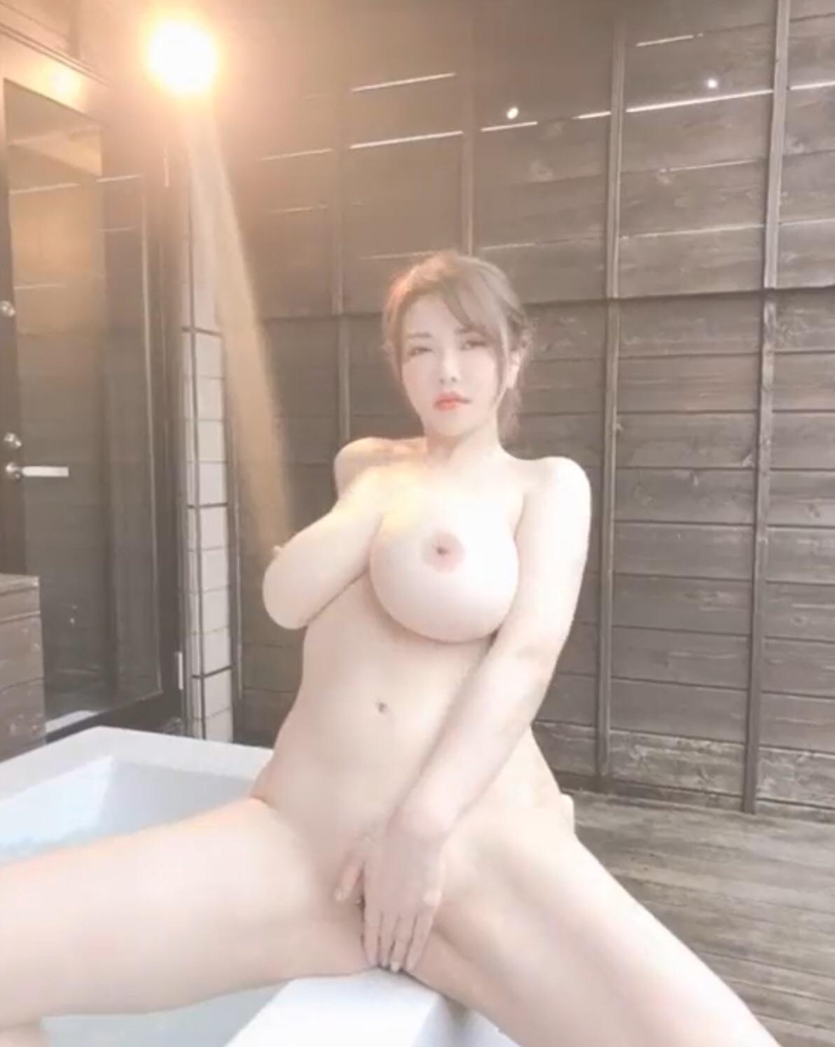 One of our naked asian pics called Anri