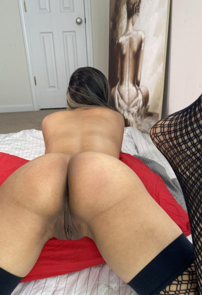 One of our naked asian pics called Would you fuck my juicy Thai ass?
