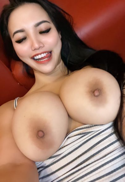 One of our naked asian pics called 💋 So happy today. Here's some boobs. (OC) 😘