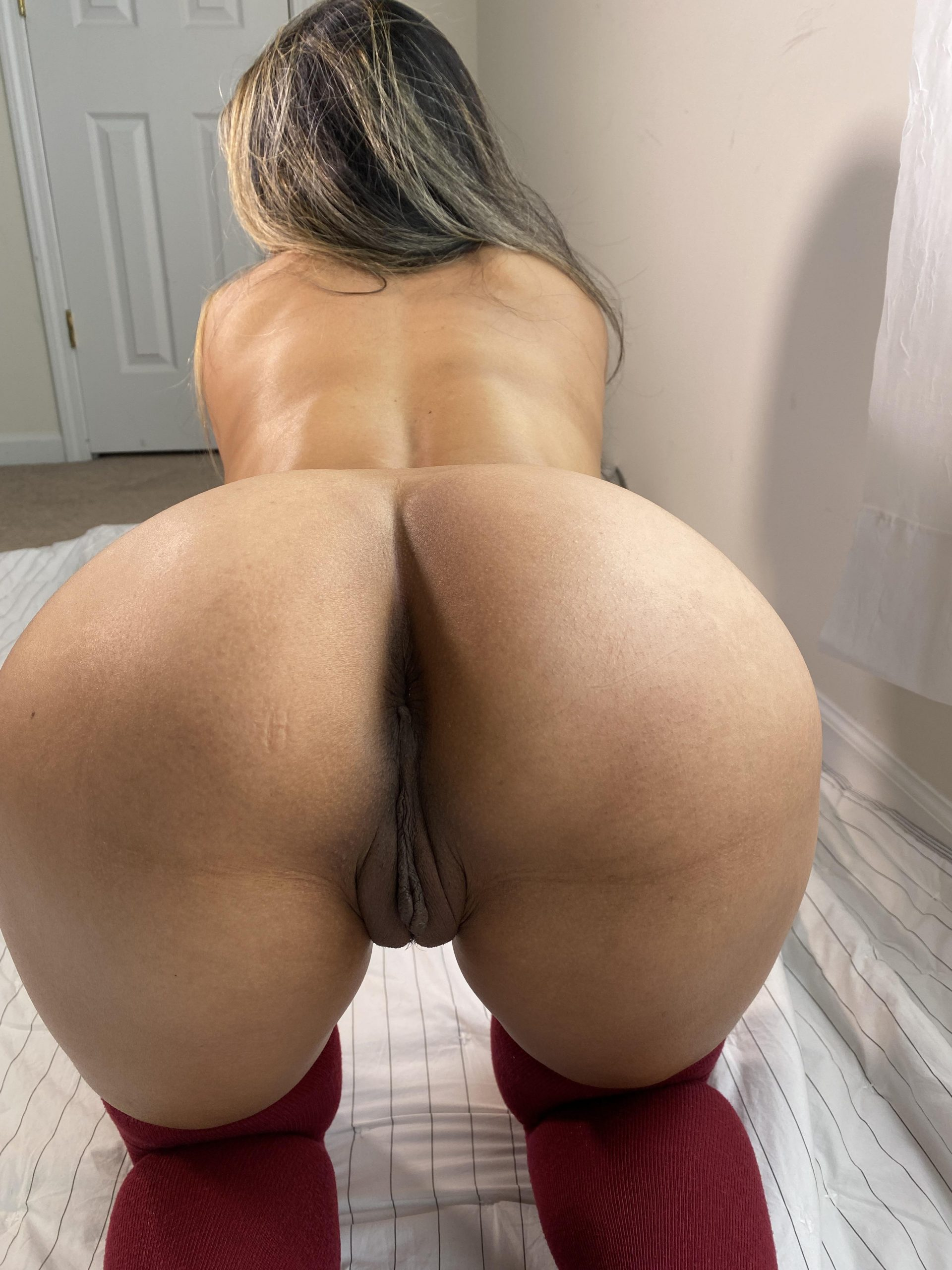 Would you fuck my juicy ass?