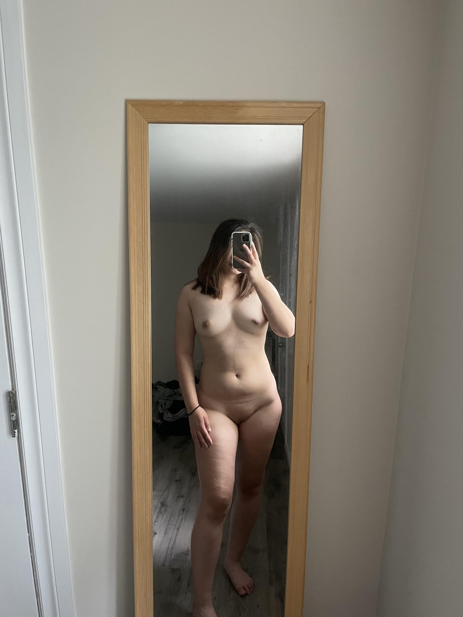 not the best looking body out there, but hopefully this nude can get some love still 🥺